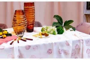 Come togliere le macchie di vino dalle nostre tovaglie