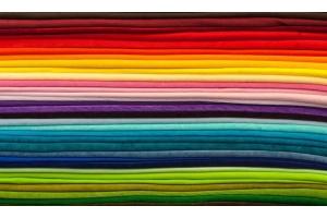 Guida alla scelta del tessuto a metraggio per tende più adatto al nostro arredamento