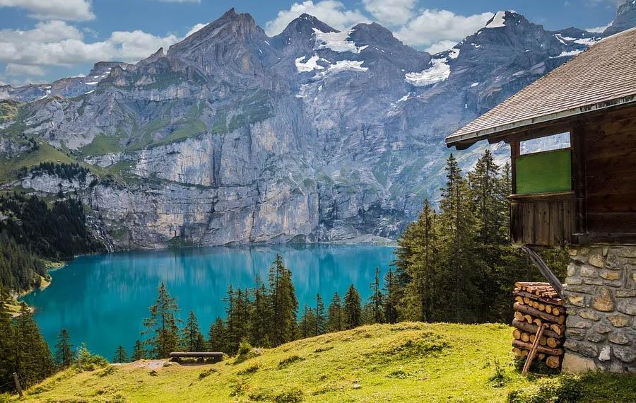 Guida alla scelta del copriletto perfetto per la tua casa in montagna